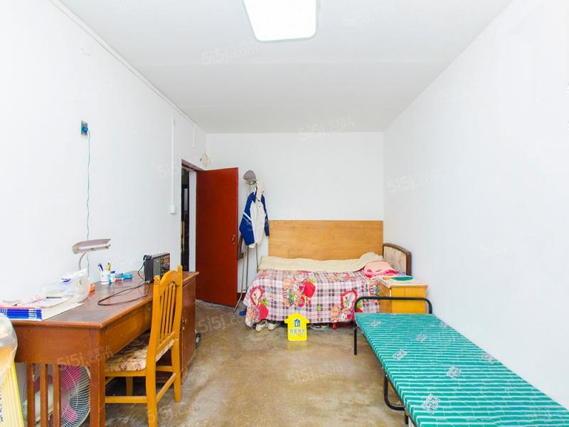 外文居宿舍 新增正规1居室 格局方正