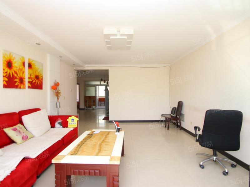 窦店 世界名园A区 三居室120.35平米 满五