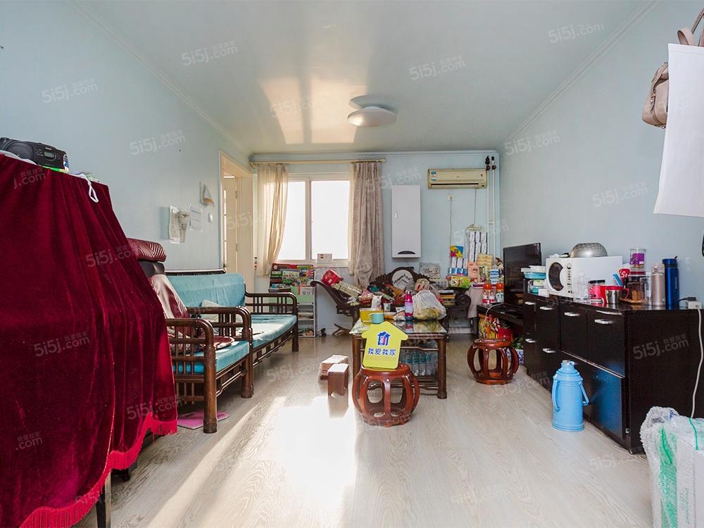 豪宅四居、赠送200多平米 楼龄新带露台 乒乓球馆