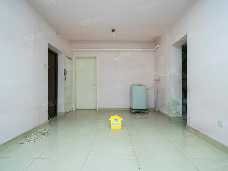 军博木樨地,电信小区低楼层精装修两居室,满五,看房方便