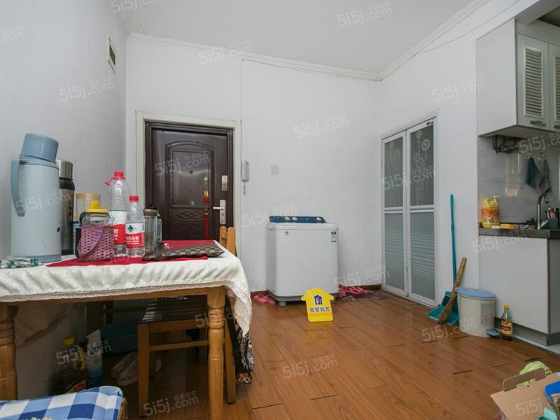 月坛北街,正规2居室,看房方便,阜成门外,月坛公园旁