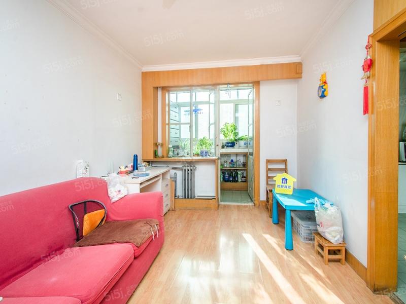 裕中西里全明格局 中间楼层采光好 可做小两居室用 税费少