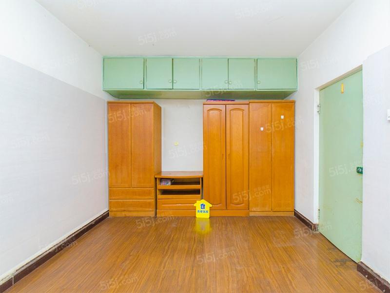 大慧寺双南两居,带电梯,有钥匙,业主诚心出售