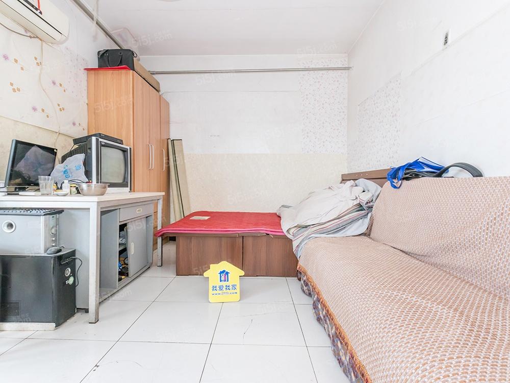 长椿街 康乐里 地理位置优越 业主诚心出售二居室