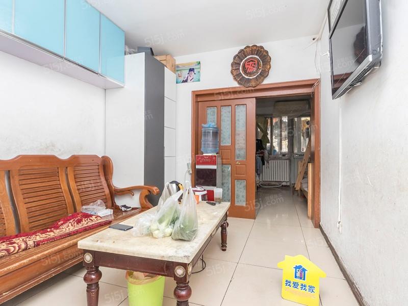 白菜湾社区 满五年商品房 东西通透两居室
