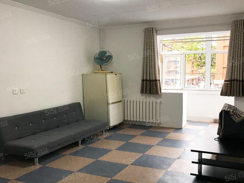 后南仓小区 精装修两居室 家具齐全 随时看房