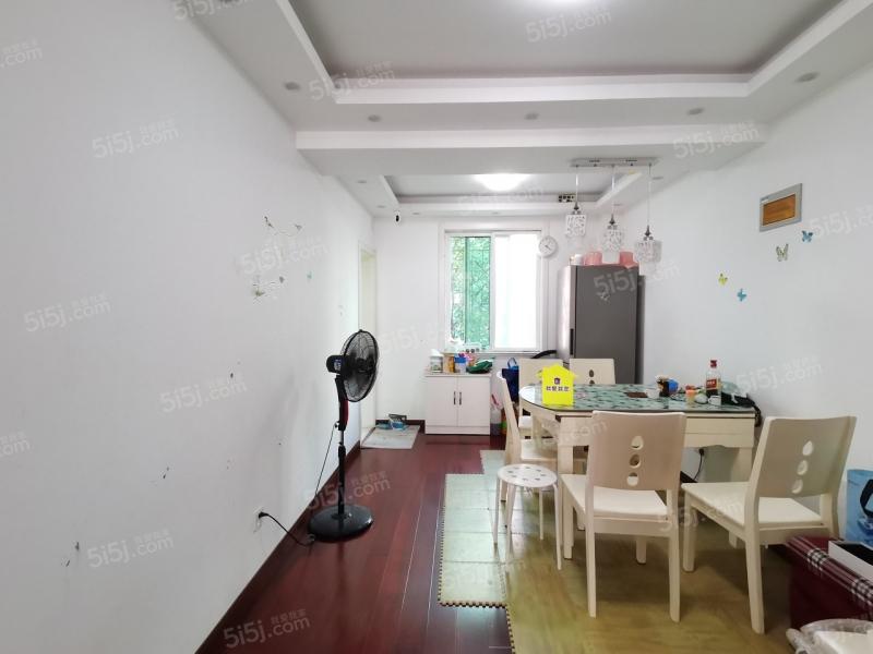 卡子门宜家  龙翔雅苑低楼层三房两卫 小区中间位置
