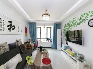 星湖街旁,悦澜湾.清爽两居室.家具家电全留.位置好采光不错