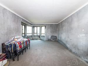 奥林清华三区、4室2厅3卫、无装修、东边套,有车位