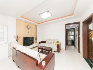 新洲人家 精装大两房 看房有钥匙 房东非常诚心出售