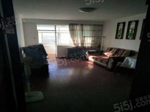 机床研究所家属院三居室,位置好,诚意出售。