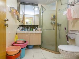 马群东 东郊小镇 婚装三室 保养好 诚心出售