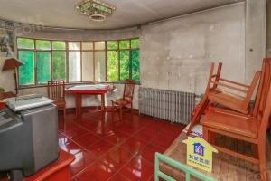 昆明路上,单价3万!京海公寓两室 私产税费低钥匙房
