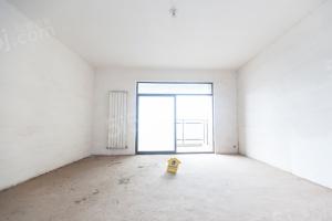 青鱼嘴东湖壹号带暖气,户型方正两房,房东诚心出售,欢迎看房