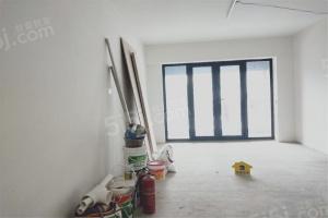 房子是业主自住的装修标准 用的都是新的家私家电