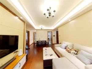 九龙湖地 铁口北小万科翡翠公园 精装地暖 通透两房