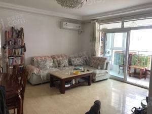 青岛我爱我家中南世纪城一期东区,精装套三,干净卫生,温馨舒适,价格面议