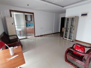 蠡湖公寓三房出租  近湖滨街拎包入住设施齐全