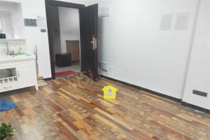此房为南向二室二厅一卫,建筑面积为75平米。