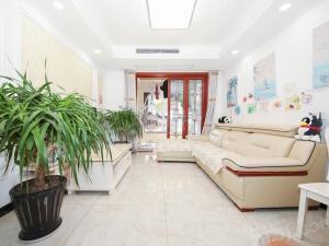 中海御景湾,新装边户3房,纯中间楼层,采光好,家具家电全留