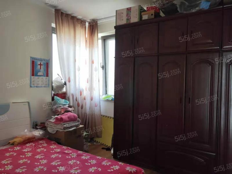 青岛我爱我家瑞源名嘉汇好的套二户型,卫生间带窗,紧靠近珠江路第1张图