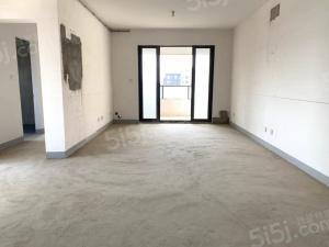 此房为南北向五室二厅二卫,建筑面积为139平米。