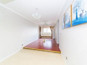 协信阿卡迪精装两房,保养新,采光佳,满二年,诚售