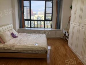 九龙湖近地 铁口金轮星光名座 精装自住单身公寓