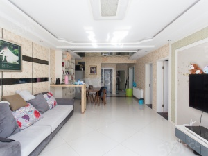 柳州东路 明发滨江新城大三期 精装修三房 房主诚售 看房方便