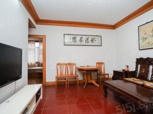 后半山园后宰门琵琶湖边2000年房龄 好楼层 大客厅诚售