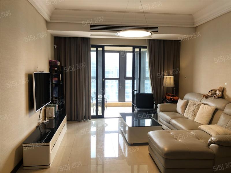 华新城一期两房 高楼层采光充足 空置保养好