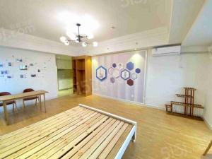 太湖悦溪,精装修,一室一厅一卫,看房方便的