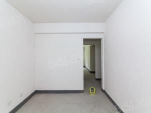 雅苑三期,楼层户型好,诚心出售,看房方便,育英在