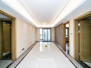 富力十号,精装三室,全新装修,全屋地暖,满2年,诚售