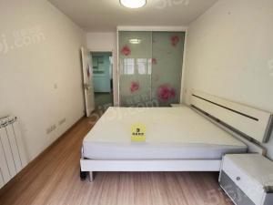 鼓楼龙江 精装大三房 拎包入住 29居家陪读