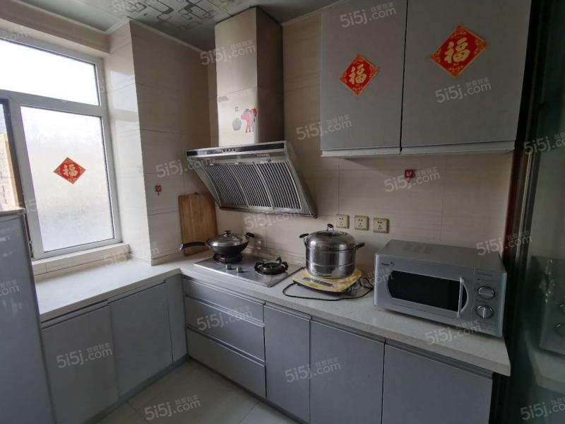 青岛我爱我家天泰阳光海岸 精装两室 生活方便 非常适合居住第2张图